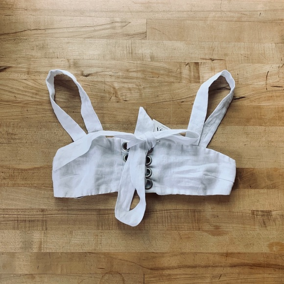 LF Tops - NWT LF Seek The Label White Tie Up Crop Top
